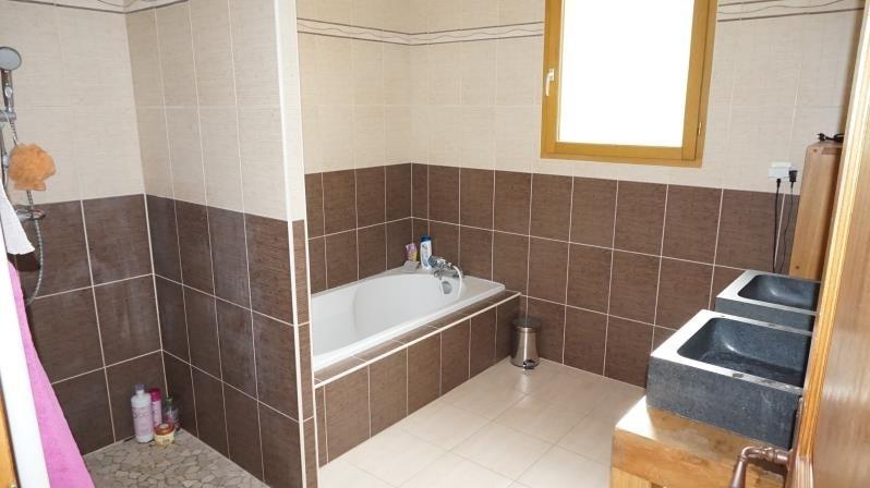Sale house / villa Clonas sur vareze 270000€ - Picture 7
