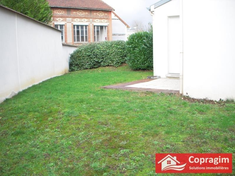 Rental house / villa Montereau 995€ CC - Picture 3