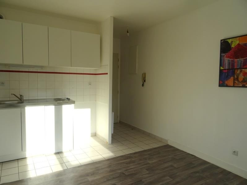 Sale apartment Chambly 82 000€ - Picture 2