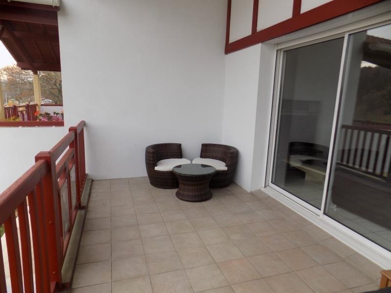 Rental apartment St pee sur nivelle 830€ CC - Picture 2