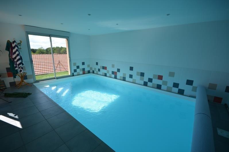 Deluxe sale house / villa Hieres sur amby 550000€ - Picture 8