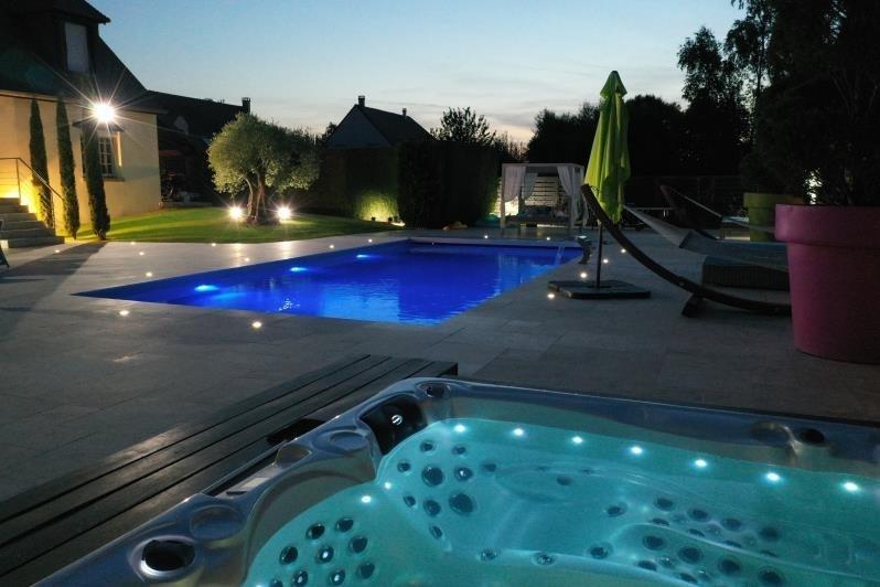 Deluxe sale house / villa Orgeval 1390000€ - Picture 1