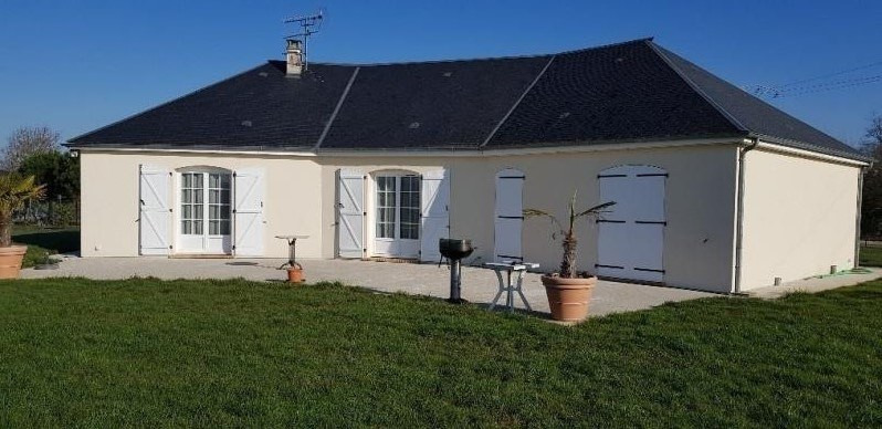 Sale house / villa Gaillon 304000€ - Picture 1