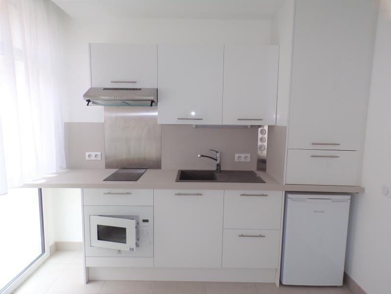 Sale apartment Guyancourt 168000€ - Picture 2