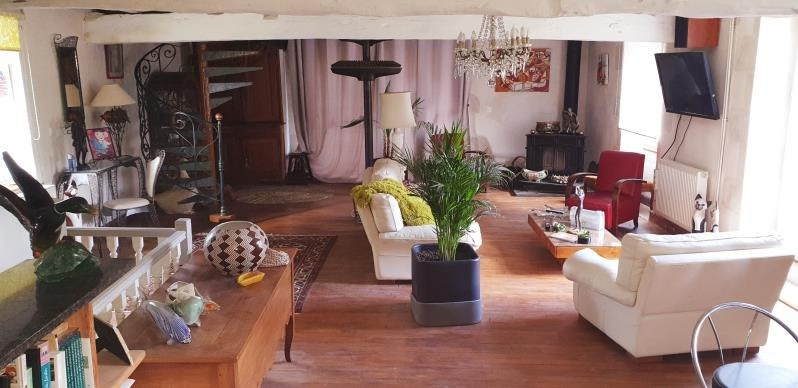 Sale house / villa Iteuil 378000€ - Picture 2