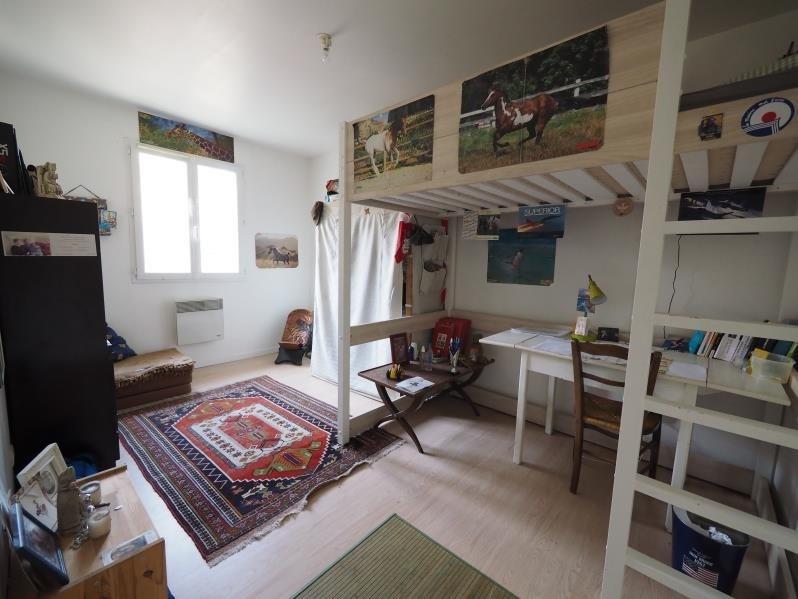 Sale house / villa Fontenay le fleury 550000€ - Picture 4