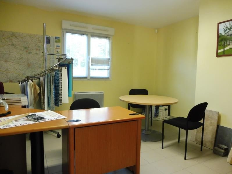 Location local commercial Mortagne au perche 1 200€ HT/HC - Photo 2