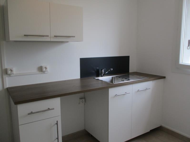 Rental apartment Salon de provence 704€ CC - Picture 3