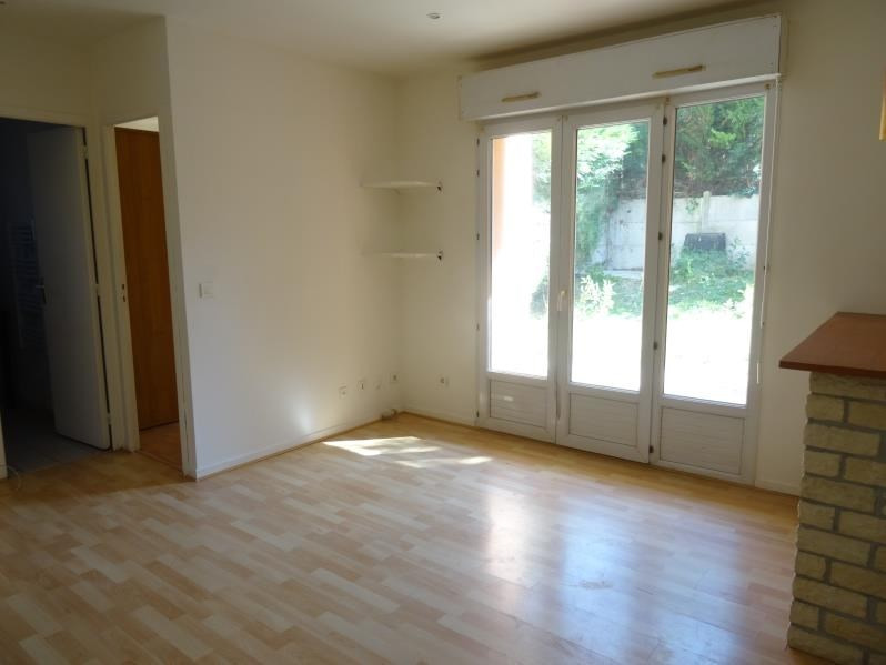 Location appartement Beaumont sur oise 720€ CC - Photo 2