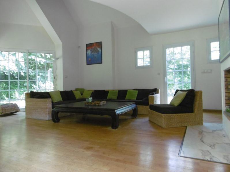 Sale house / villa Belbeuf 395000€ - Picture 2