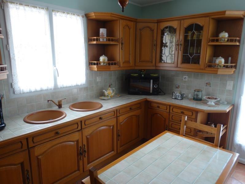 Sale house / villa Le chateau d'oleron 341500€ - Picture 4