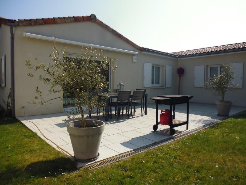 Sale house / villa Fleure 214900€ - Picture 3