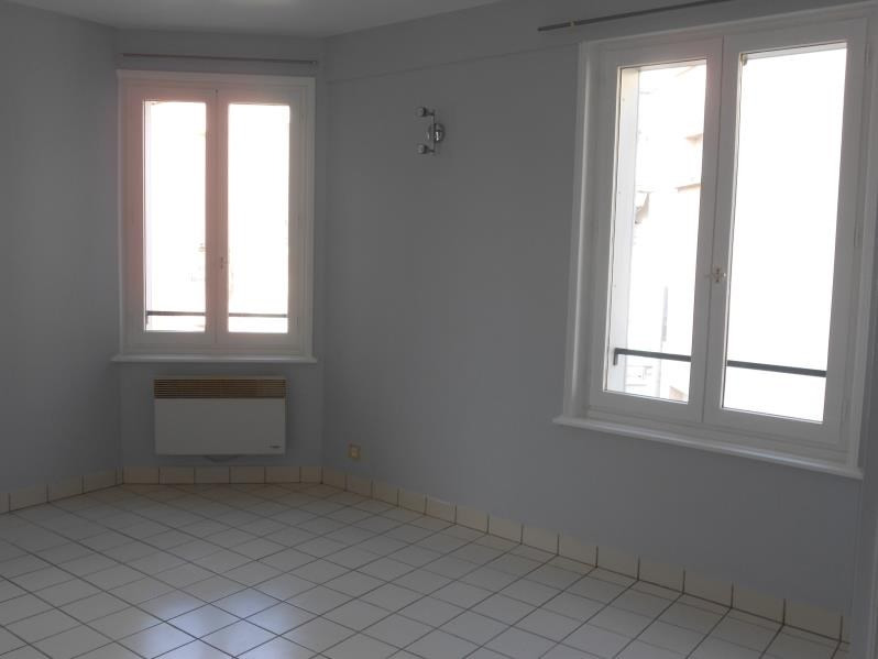 Rental apartment Nogent sur seine 600€ CC - Picture 2