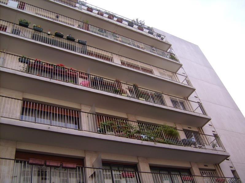 Rental apartment Paris 11ème 690€ CC - Picture 1