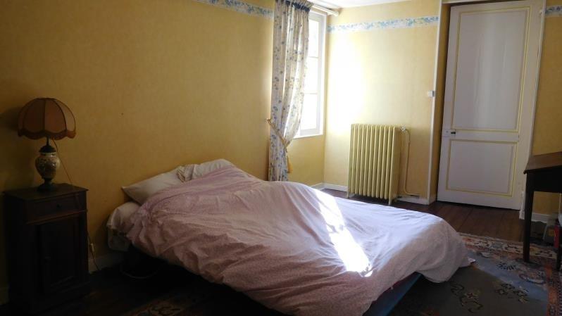 Sale house / villa St savin 242500€ - Picture 6