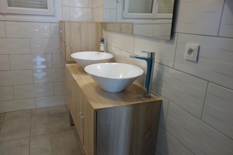Location maison / villa Perreux 733€ CC - Photo 6