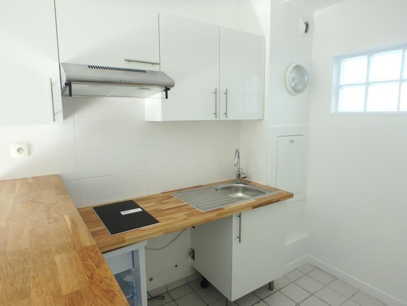 Rental apartment Nanterre 811€ CC - Picture 2