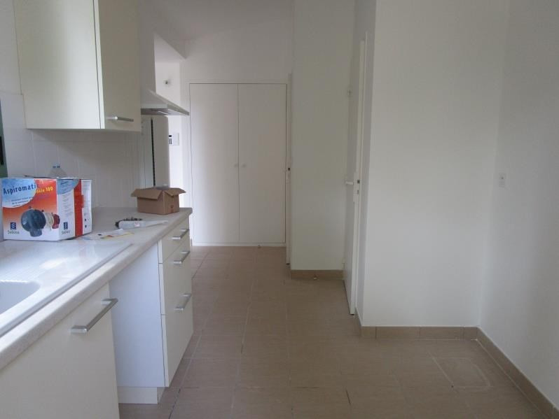 Location maison / villa Nimes 850€ CC - Photo 5