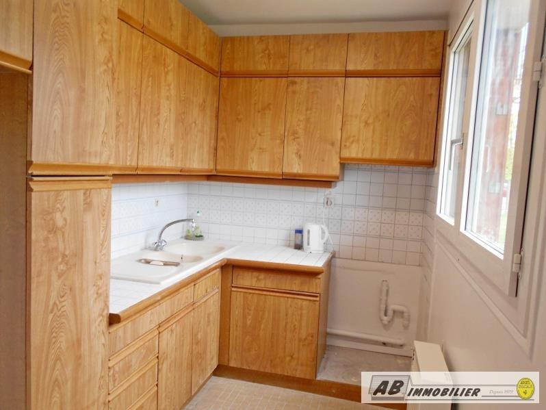 Rental apartment Poissy 840€ CC - Picture 2