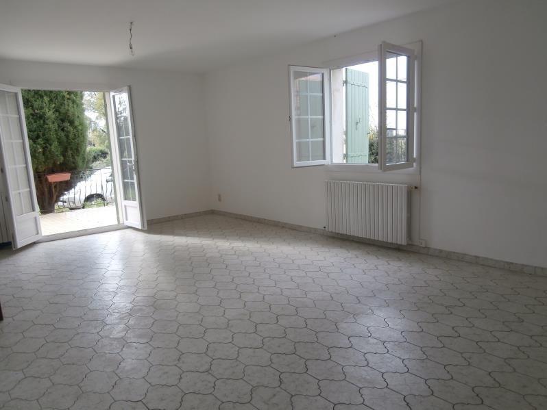 Location maison / villa Salon de provence 1100€ CC - Photo 2