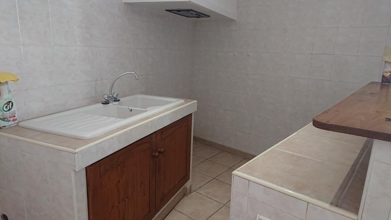 Location appartement Nimes 450€ CC - Photo 3