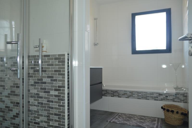 Sale house / villa L isle jourdain 315000€ - Picture 9