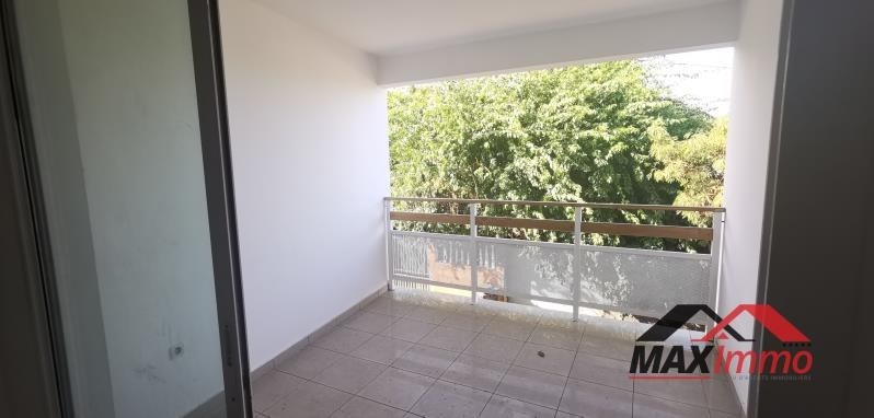 Location appartement St joseph 767€ CC - Photo 3