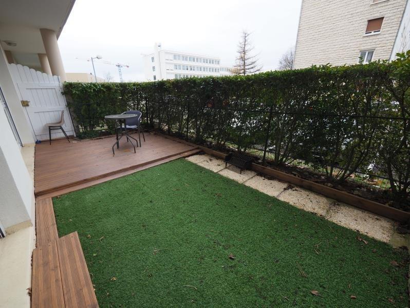 Location appartement Bois d'arcy 900€ CC - Photo 1