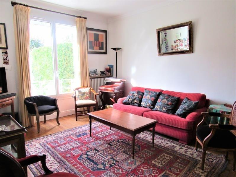 Sale house / villa Le mesnil le roi 745500€ - Picture 2