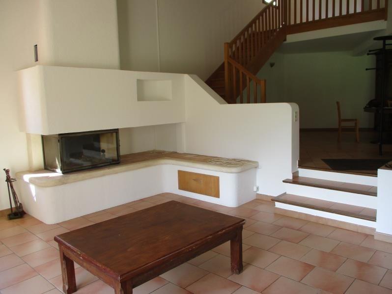 Rental house / villa Salon de provence 1258€ CC - Picture 3
