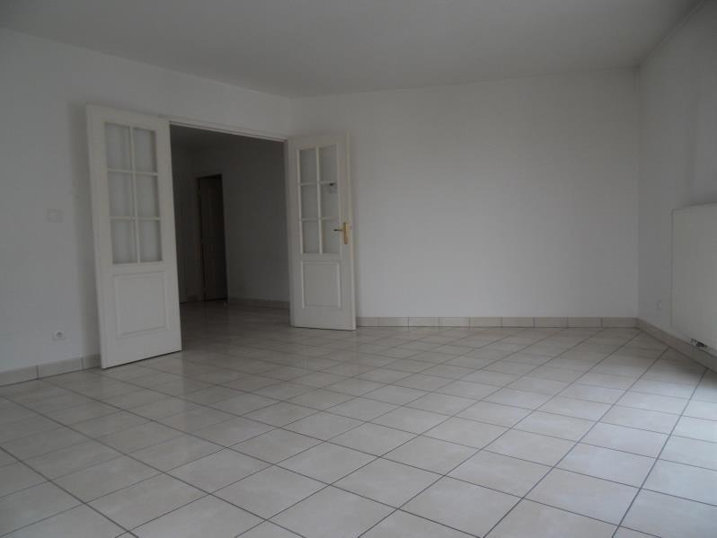 Location appartement Villeurbanne 901€ CC - Photo 2