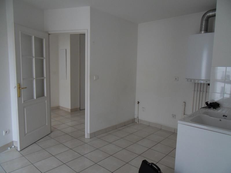 Location appartement Villeurbanne 901€ CC - Photo 3
