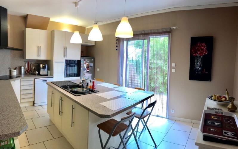 Sale house / villa Bassens 484000€ - Picture 2