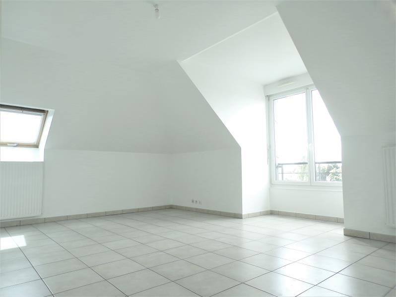 Rental apartment Montigny le bretonneux 870€ CC - Picture 2