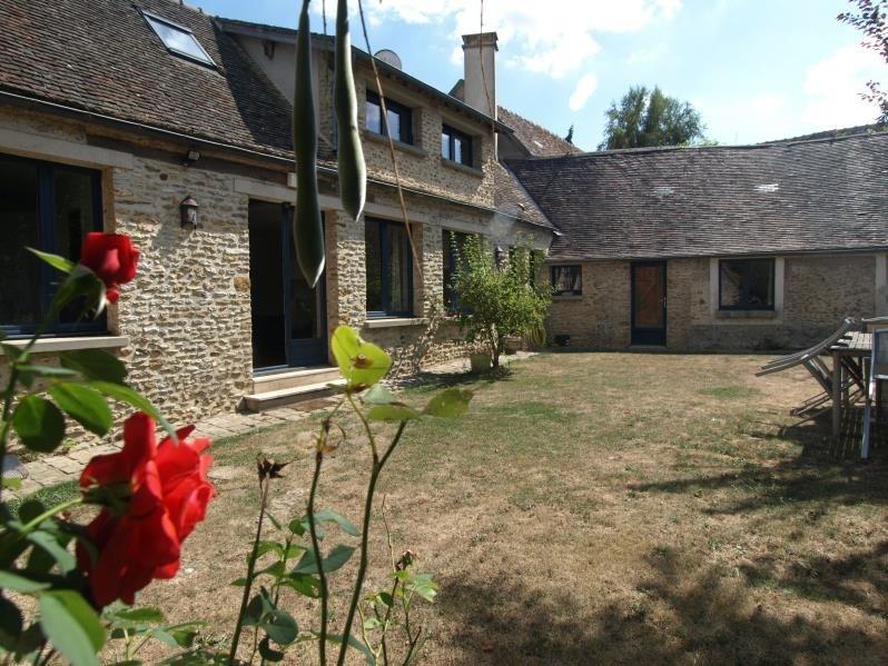 Sale house / villa Montfort l amaury 495000€ - Picture 1