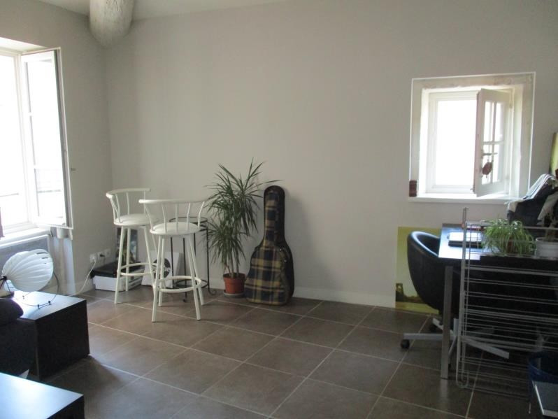 Rental apartment Nimes 420€ CC - Picture 2