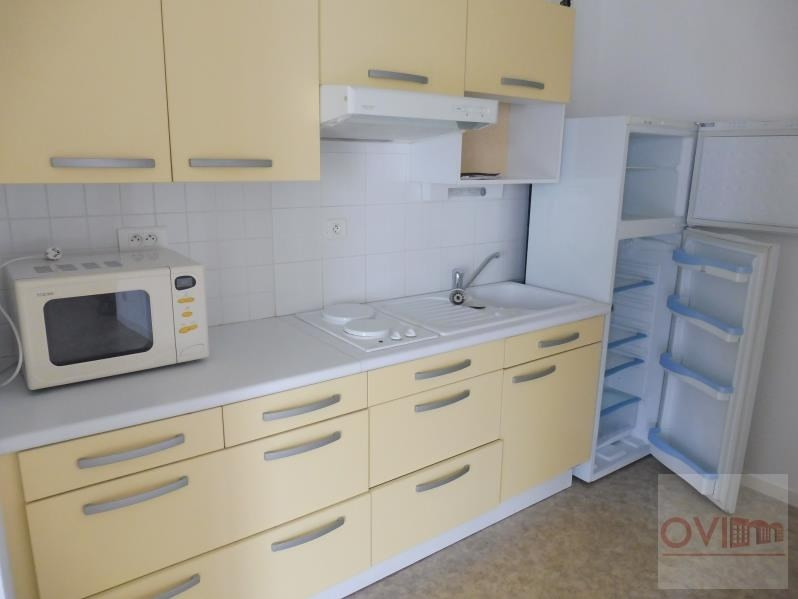 Rental apartment La roche sur yon 530€ CC - Picture 2