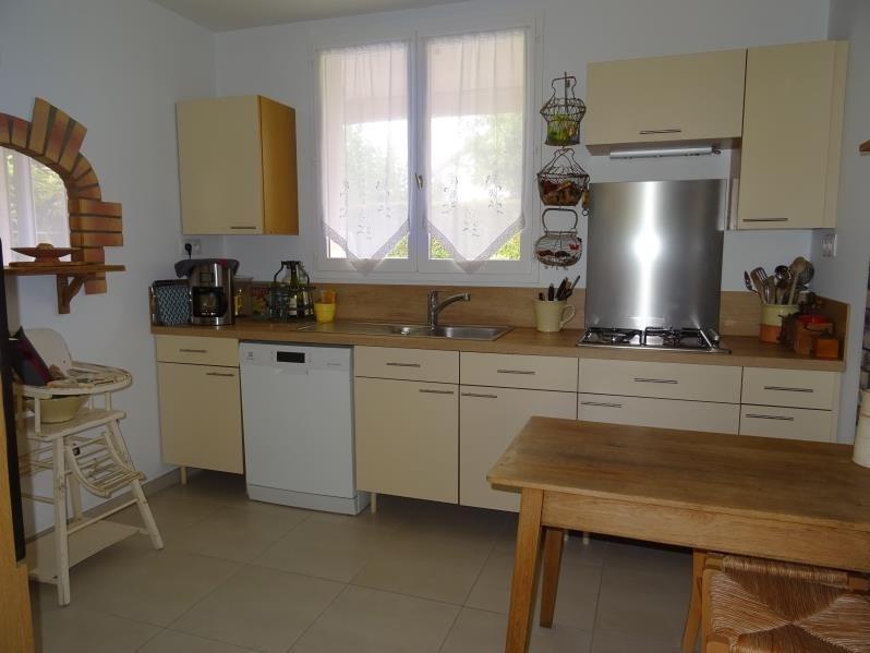 Sale house / villa St andre les vergers 212000€ - Picture 5