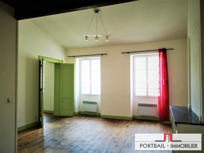 Location appartement Blaye 453€ CC - Photo 1