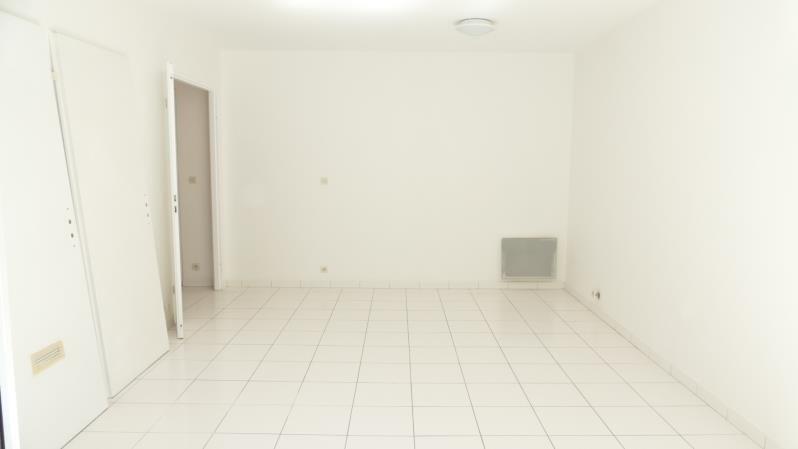 Sale apartment Verrieres le buisson 169000€ - Picture 2