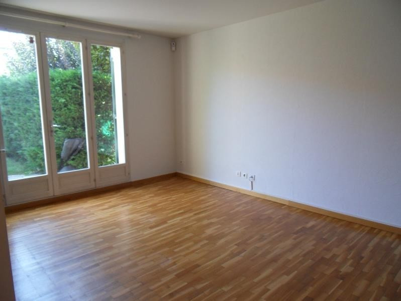 Location appartement Ste foy les lyon 1119€ CC - Photo 1