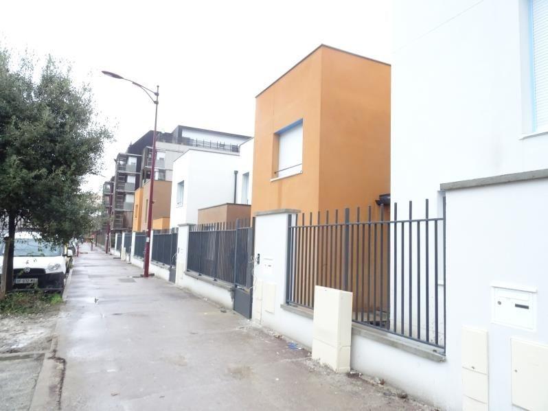 Location maison / villa Bondy 1275€ CC - Photo 1
