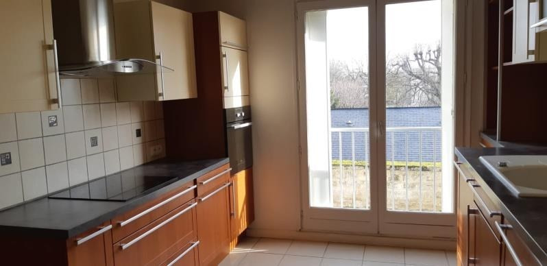 Rental apartment Le pecq 1 146€ CC - Picture 8