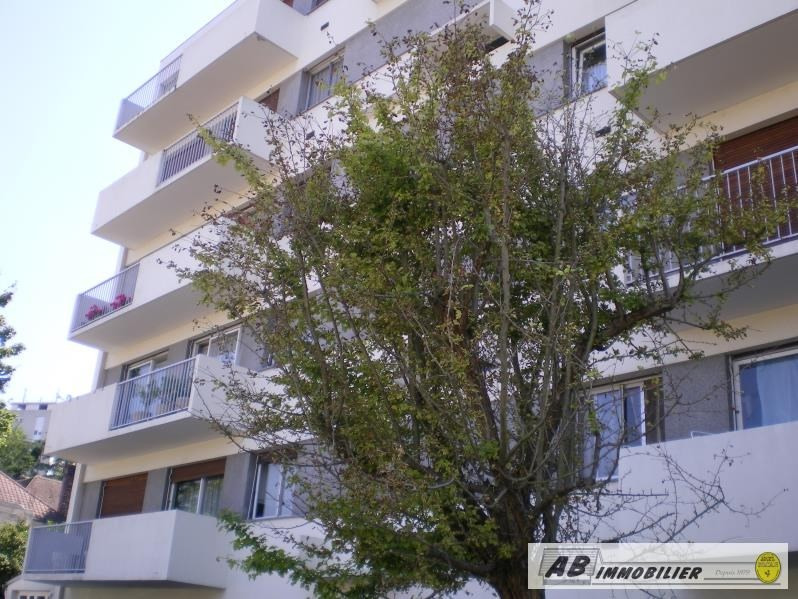 Rental apartment Poissy 760€ CC - Picture 1