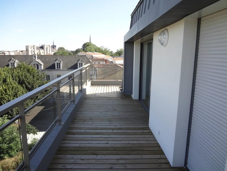 Location appartement Niort 934€ CC - Photo 2