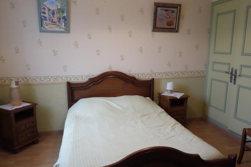 Sale house / villa Montlieu la garde 243500€ - Picture 9