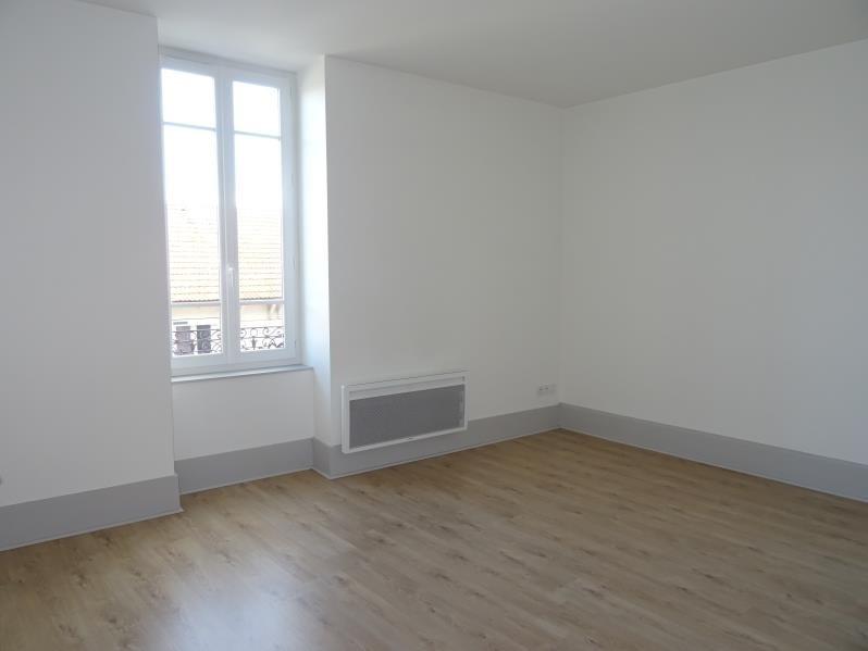 Location appartement Le coteau 358€ CC - Photo 1