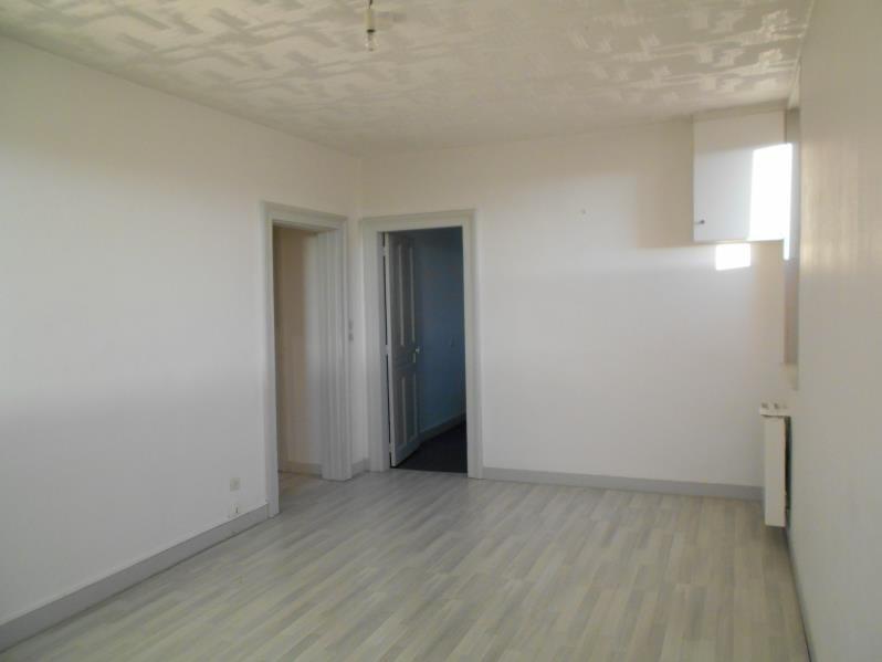 Rental apartment Fauville en caux 470€ CC - Picture 1