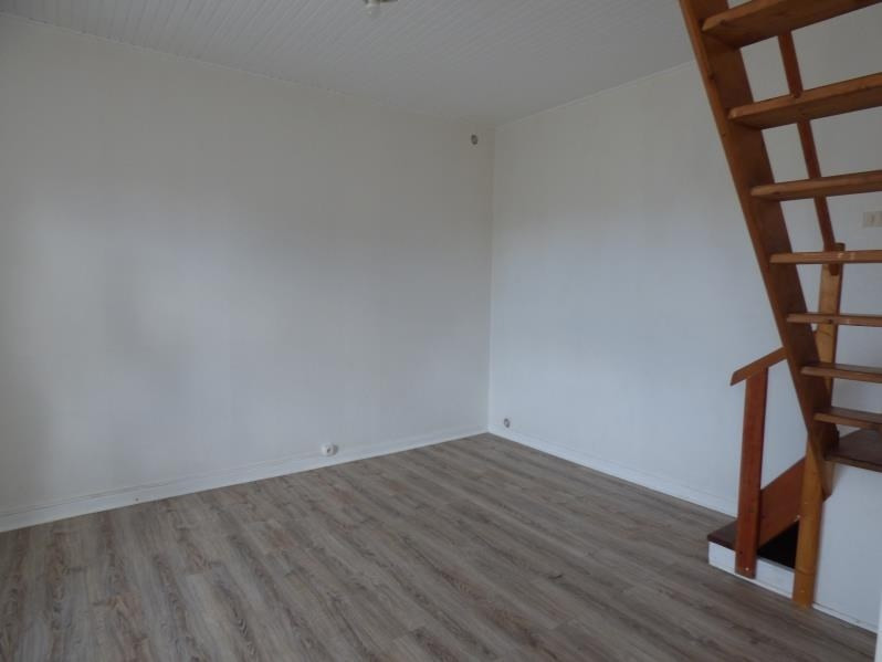 Location maison / villa Coatascorn 360€ CC - Photo 3