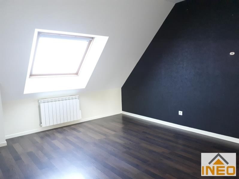 Location maison / villa Bedee 935€ CC - Photo 5